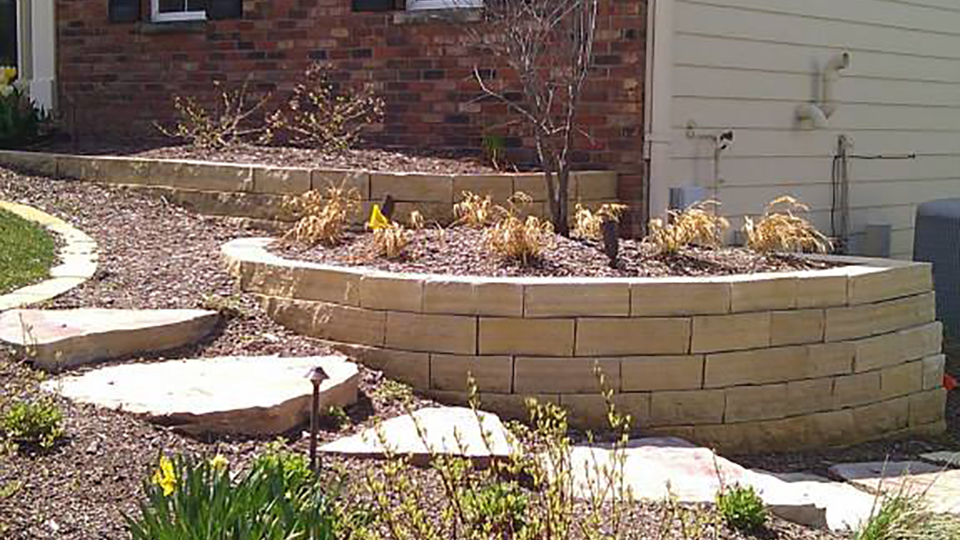 Natural Stone Wall Landscaiping Services