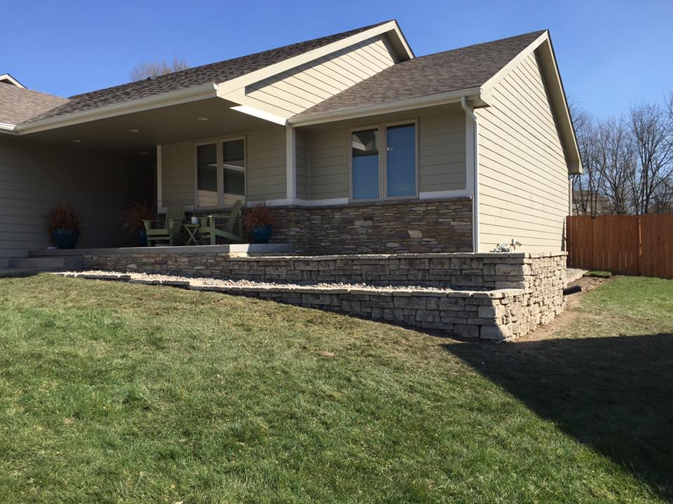Retaining Walls Landscaiping Services